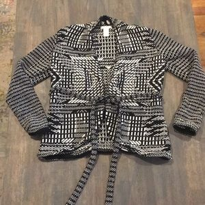 H&M Black and White Pattern Cardigan Size XS